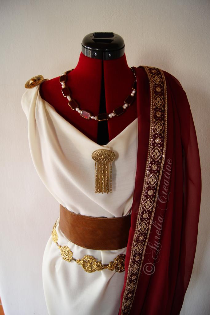 Aurelias weißes Tempelkleid
