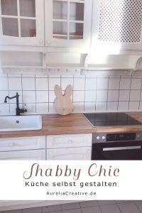 Ich hatte sofort ein Bild im Kopf wie sie sich mit ein bisschen Liebe und Arbeit in eine traumhaft schöne Shabby Chic Küche verwandeln könnte. #diyfurniture #shabbychic