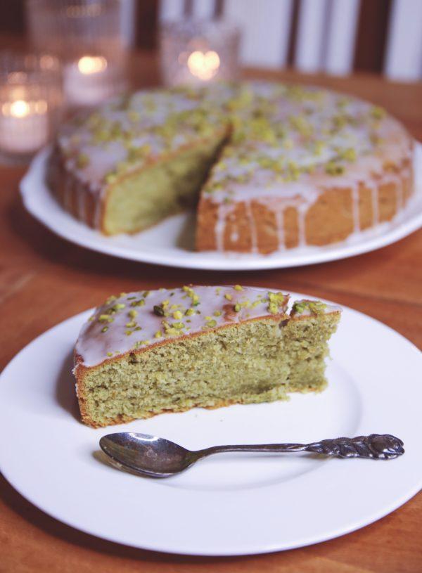 Avocado-Pistazien-Matcha-Kuchen