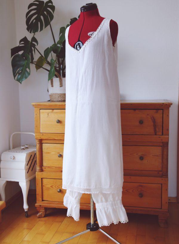 Unterwäsche für ein Westernlarp